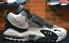 "Nike Air Max Speed Turf ""Oakland Raiders"""