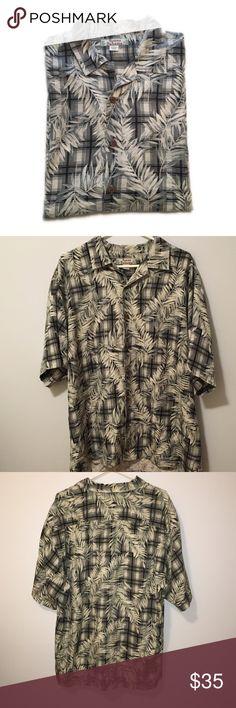 Tommy Bahama 100% silk Hawaiian shirt. Size: Large Tommy Bahama 100% silk Hawaiian shirt. Size: Large Tommy Bahama Shirts Casual Button Down Shirts