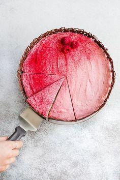 vanilla cake with raspberry cream cheese frosting