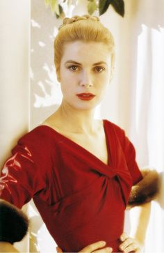 """Lady in Red Grace Kelly #fashion #photography"""