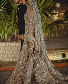 Black Bridal Dresses, Desi Wedding Dresses, Wedding Dresses With Straps, Bridal Outfits, Cheap Wedding Dress, Backless Wedding, Asian Wedding Dress Pakistani, Pakistani Gowns, Walima Dress