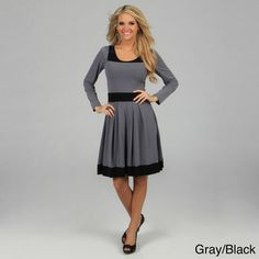 @Overstock.com - Evanese Women's Two-tone Long-sleeve Dress - This comfortable, colorblock dress by Evanese brings chic and easy style to your wardrobe. The knit dress has long sleeves and features a skirt with inverted pleats and banded hem.  http://www.overstock.com/Clothing-Shoes/Evanese-Womens-Two-tone-Long-sleeve-Dress/6275346/product.html?CID=214117 $68.99