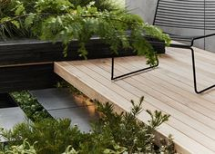 Idea for deck meeting daybed window