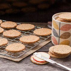 Kex med råg och havre Crackers, Biscuits, Bread, Homemade, Snacks, Cookies, Desserts, Food, Iceland