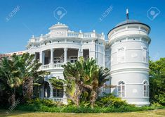 colonial architecture macau - Google Search Baroque Architecture, Colonial Architecture, Colonial Exterior, Big Houses, Luxury Homes, Outdoor Living, Cool Designs, Mansions, House Styles
