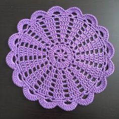 Crochet doily Step by step Tut Free Crochet Doily Patterns, Crochet Coaster Pattern, Crochet Placemats, Crochet Doily Diagram, Crochet Flower Tutorial, Crochet Quilt, Crochet Squares, Crochet Home, Thread Crochet