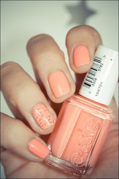 Love the accent nail!