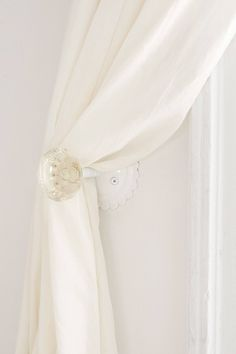 Slide View: 2: Crystal Door Knob Curtain Tie-Back