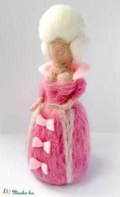 Madame Pompadour tűnemez  baba (szilvike23) - Meska.hu