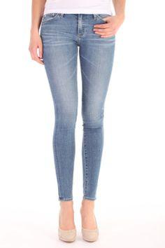 Adriano Goldschmied The Legging 18 years Heart Breaker. Deze 10 oz. Revival Power Stretch Denim is gemaakt van 98% katoen en 2% polyurethane. De jeans heeft een ritssluiting. REV1288 18Y HTB The Legging. Adriano Goldschmied, Super Skinny Jeans, Pants, Fashion, Trouser Pants, Moda, Fashion Styles, Women's Pants, Women Pants