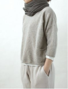 looks so comfy for lounging around the house cashmere pullover/evam eva Mode Outfits, Casual Outfits, Fashion Outfits, Fashion Scarves, Look Fashion, Winter Fashion, Looks Style, My Style, Cashmere Pullover