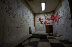East LA abandoned Hospital, Photo by Ransom Riggs // (Linda Vista? Abandoned Asylums, Abandoned Buildings, Abandoned Places, Abandoned Castles, Abandoned Mansions, Creepy Images, Creepy Photos, Anime Hospital, Haunted Places
