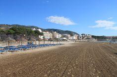 Alcocéber. Playa del Cargador Pulse en la fotografía para ver #apartamentos_en_Alcoceber  Alcocéber, Alcossebre, Spain