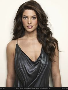 Ashley Greene.., her hair