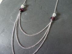 Sautoir argenté à trois rangs, perles lampwork violettes et blanches : Collier par owlhazel