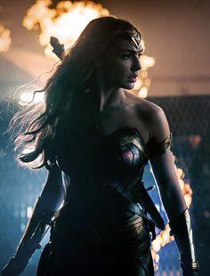 Mulher Maravilha em Liga da Justiça (2017).