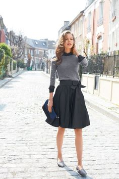 Spring style | Grey sweater over charcoal shirt, matching midi skirt, flats and a clutch