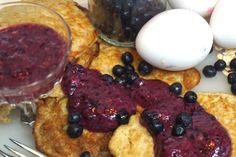 Hälsosamma grötpannkakor med nyttig blåbärssylt - Victorias provkök Lchf, Pancakes, French Toast, Recipies, Brunch, Food And Drink, Diet, Snacks, Chicken