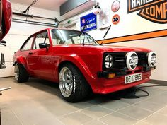 Classic Cars British, Ford Classic Cars, Escort Mk1, Ford Escort, Ford Rs, Car Ford, Classic Car Restoration, Old Fords, Modified Cars