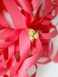 Papiersterne rot Farbe Glocke schöne Weihnachtsdekoration