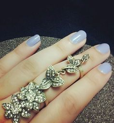 Love the Ring & Nails <3