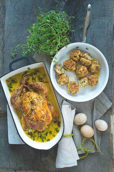 K tomuhle receptu nás inspiroval proslulý francouzský recept na králíka Braillon – jemné maso ještě zjemnělé mlékem, a naopak zvýrazněné pikantní hořčicí a citronovou kůrou a fenyklem je prostě báseň... Chana Masala, Chicken Wings, Meat, Ethnic Recipes, Food, Essen, Meals, Yemek, Eten