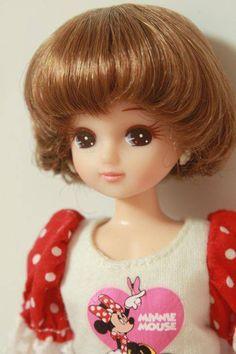 Licca-chan: Japan's smallest idol Beautiful Barbie Dolls, Pretty Dolls, Cute Dolls, Doraemon, Vintage Japanese, Japanese Girl, Disney Dolls, Little Doll, Ball Jointed Dolls