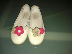 De unos zapatos lisos a esta maravilla...Realizado por una alumna para su niña...