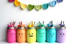 44 DIY ideas with mason jars that awaken creativity in one- Are you looking for unusual gift ideas? Or simply for cool DIY ideas with which you can drive away the boredom and enjoy your free time …… Crafts For Teens, Crafts To Sell, Diy And Crafts, Simple Crafts, Room Crafts, Pot Mason Diy, Mason Jar Crafts, Mason Jars, Pots Mason