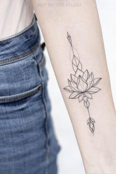Tattoo on the arm tattoo on the arm. Hand Tattoos, Lotusblume Tattoo, Tattoo Bein, Unalome Tattoo, Ring Finger Tattoos, Body Art Tattoos, Samoan Tattoo, Polynesian Tattoos, Ganesha Tattoo