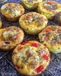 mini-breakfast-quiches-recipe, easy recipe, will play with ingredients and seasoning Mini Breakfast Quiche, Best Breakfast, Breakfast Muffins, Easy Breakfast Quiche Recipe, Breakfast Casserole, Morning Breakfast, Breakfast Club, Brunch Recipes, Breakfast Recipes