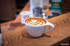 http://canadanightlife.ca/wp-content/uploads/2014/01/Café-Myriade-5-of-11-1050x700.jpg