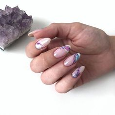 What Christmas manicure to choose for a festive mood - My Nails Cute Nails, Pretty Nails, Milky Nails, Nailart, Oval Nails, Manicure E Pedicure, Elegant Nails, Gel Nail Designs, Nails Design