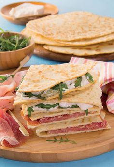 Quesadillas, Just Eat It, Antipasto, Prosciutto, Crepes, Street Food, Hamburger, Meal Prep, Sandwiches