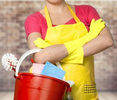 Toilet bowl stains are a disaster for proper housekeeping. Get expert advice on removing toilet bowl stains from Merry Maids professional cleaning services. Professional Cleaning Services, House Cleaning Services, Diy Cleaning Products, Cleaning Hacks, Remove Toilet Bowl Stains, Toilet Stains, Home Selling Tips, Selling Your House, Tips & Tricks