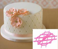 Birthday cake fondant woman flowers 62 new ideas Adult Birthday Cakes, Birthday Cakes For Women, Grandma Birthday Cakes, Birthday Cupcakes, Deco Cupcake, Cupcake Cakes, Mini Cakes, Pretty Cakes, Beautiful Cakes