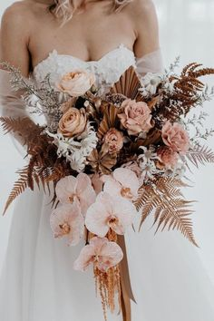 Unique Wedding Flowers Trend Inspiration from Lovely Bride - We're here to help give an edited version of the coolest bridal trends. We love when we stumble upon pics of a wedding where the bride re. Bridal Flowers, Flower Bouquet Wedding, Floral Wedding, Flowers For Weddings, Big Bouquet Of Flowers, Boquette Flowers, Bohemian Wedding Flowers, Wedding Pastel, Neutral Wedding Flowers