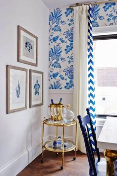 Sarah Richardson Design - kitchens - ICI Dulux - Natural White - Thibaut Donegal Wallpaper, white walls, white wall color, ocean art, blue o...