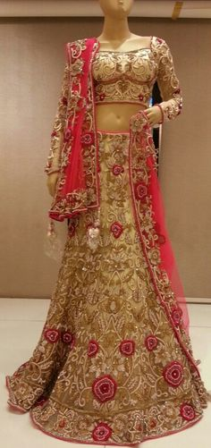 Bridal lengha You will find different rumors about the annals of the wedding dress; tesettür First Narration; In ancient Rome, … Indian Bridal Lehenga, Indian Bridal Wear, Asian Bridal, Pakistani Outfits, Indian Outfits, Lovely Dresses, Elegant Dresses, Indian Attire, India Fashion