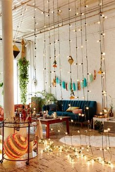 Here are the Bohemian Living Room Decor Ideas. This article about Bohemian Living Room Decor Ideas was posted under the Living Room category by our team at August 2019 at pm. Hope you enjoy it and don't forget . Bohemian Living Rooms, Living Room Decor, Living Spaces, Bohemian Apartment, Hippie Living Room, Dining Room, Dining Table, Deco Boheme Chic, Boho Chic