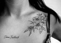 #ivashkevich #workplace #workplacepnz #tattoopnz #tattoo #blacktattoo #black #grapfic #graphictattoo #pnz #пенза #пензатату #татупенза #татуировкапенза #flowerstattoo #flower #graphicflower #freehand красивым девочкам-красивые цветочки!!