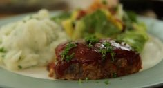 Mini Meatloaves Video Venison Meatloaf Recipe, Easy Meatloaf, Meatloaf Recipes, Meat Recipes, Cooking Recipes, Chicken Recipes, Dinner Recipes, Hamburger Dishes, Beef Dishes