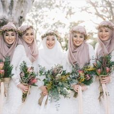 35 Trendy Wedding Photography Inspiration The Bride Photo Ideas Muslimah Wedding Dress, Muslim Wedding Dresses, Muslim Brides, Muslim Women, Bridal Hijab, Hijab Bride, Gothic Wedding, Dream Wedding, Wedding Beach