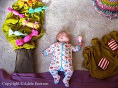 Mamá fotografía a su Hijo en Curiosos Escenarios Mientras Duerme niños cute arte