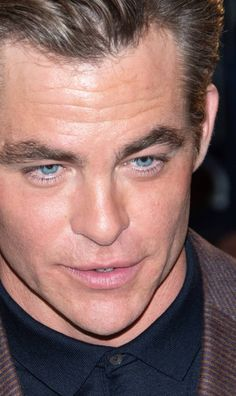 Chris Pine, Man Candy, Cute Pictures, Gentleman, Celebs, Actors, Heart, That's Entertainment, Crushes