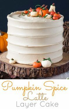 This Pumpkin Spice Latte Cake is your favorite Fall beverage in cake form! Pumpkin spice flavoured cake with an espresso buttercream.   livforcake.com