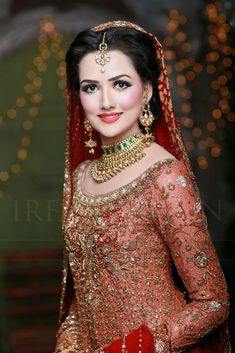Love the look Pakistani Bridal Couture, Pakistani Bridal Makeup, Bridal Lehenga, Bridal Makeup Looks, Bridal Looks, Bridal Style, Asian Wedding Dress, Pakistani Wedding Dresses, Desi Wedding