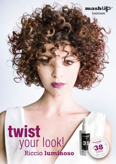 Oggi vuoi avere un riccio luminoso? Twist your Look con un mashup di N°31 Smoothing Serum e N°38 Curling Paste! Solo nel mashup point più vicino...Infoline 800103661 / info@mashuphaircare.com