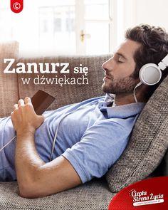 Gdy wrócisz do domu postaraj się znaleźć 15 minut na  głęboki relaks. Załóż słuchawki, posłuchaj ulubionej muzyki i pozwól, by dźwięki wypełniły ten kwadrans. Nie myśl o niczym. Po prostu odpocznij i głęboko oddychaj. To najlepszy sposób na naładowanie się energią i zdystansowanie. W rytmie ulubionych dźwięków umysł i organizm powrócą do pełni sił. :) To takie proste!