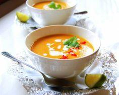 Kookoksen makuinen bataatti-linssikeitto lämmittää talvella kun maustat sen chilillä.